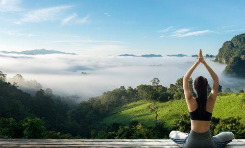 jungle-fog-clouds-yoga-woman-paradise